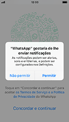Apple iPhone SE - iOS 12 - Aplicações - Como configurar o WhatsApp -  6