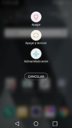 LG K10 (2017) - Mensajería - Configurar el equipo para mensajes multimedia - Paso 18