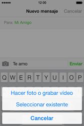 Apple iPhone 4S iOS 7 - Mensajería - Escribir y enviar un mensaje multimedia - Paso 9