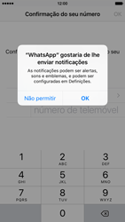 Apple iPhone 5s iOS 8 - Aplicações - Como configurar o WhatsApp -  6