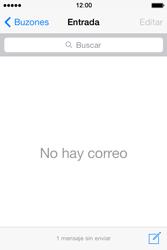 Apple iPhone 4S iOS 7 - E-mail - Escribir y enviar un correo electrónico - Paso 15