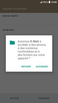 HTC Desire 825 - E-mails - Ajouter ou modifier un compte e-mail - Étape 18