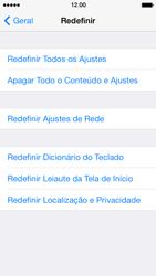 Apple iPhone iOS 7 - Funções básicas - Como restaurar as configurações originais do seu aparelho - Etapa 7