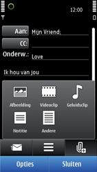 Nokia C7-00 - E-mail - Hoe te versturen - Stap 10