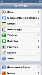 Apple iPhone 5 - Contacten en data - Contacten kopiëren van SIM naar toestel - Stap 3