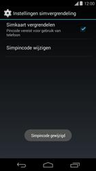 Motorola Moto E (1st Gen) (Kitkat) - Beveiliging en ouderlijk toezicht - Hoe wijzig ik mijn SIM PIN-code - Stap 10