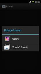 Sony Ericsson Xperia Arc met OS 4 ICS - E-mail - Hoe te versturen - Stap 13