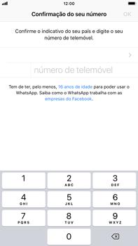Apple iPhone 8 Plus - iOS 12 - Aplicações - Como configurar o WhatsApp -  8