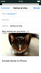 Apple iPhone SE iOS 10 - E-mail - Escribir y enviar un correo electrónico - Paso 14