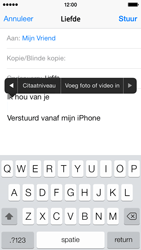 Apple iPhone 5s iOS 8 - E-mail - Bericht met attachment versturen - Stap 10