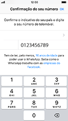 Apple iPhone SE - iOS 12 - Aplicações - Como configurar o WhatsApp -  9