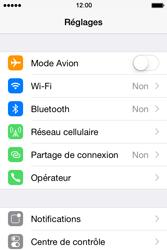 Apple iPhone 4s iOS 8 - WiFi et Bluetooth - Jumeler votre téléphone avec un accessoire bluetooth - Étape 3