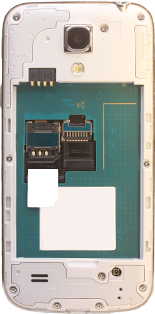 Samsung Galaxy S4 Mini - Primeros pasos - Quitar y colocar la batería - Paso 4