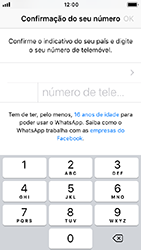 Apple iPhone SE - iOS 12 - Aplicações - Como configurar o WhatsApp -  8
