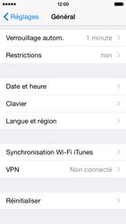 Apple iPhone 5s (iOS 8) - Aller plus loin - Restaurer les paramètres d'usines - Étape 4