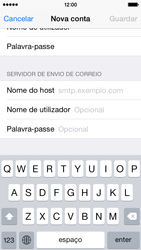 Apple iPhone 5s iOS 8 - Email - Configurar a conta de Email -  13