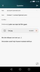 Huawei P8 Lite - E-mail - Bericht met attachment versturen - Stap 16