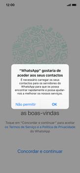 Apple iPhone X - iOS 12 - Aplicações - Como configurar o WhatsApp -  5