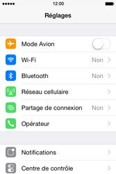 Apple iPhone 4s iOS 8 - Internet - Activer ou désactiver - Étape 3