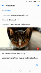 Huawei p8-lite-2017-met-android-oreo-model-pra-lx1 - E-mail - Bericht met attachment versturen - Stap 16