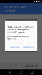 LG X Screen - Applicaties - Applicaties downloaden - Stap 8