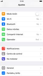 Apple iPhone 7 iOS 11 - Mensajería - Configurar el equipo para mensajes multimedia - Paso 3