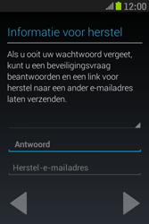 Samsung S6310 Galaxy Young - Applicaties - Applicaties downloaden - Stap 15