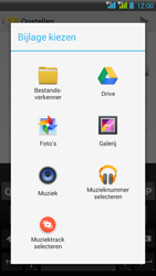 HTC Desire 516 - E-mail - E-mails verzenden - Stap 13