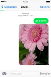 Apple iPhone 4S (iOS 8) - Contact, Appels, SMS/MMS - Envoyer un MMS - Étape 14