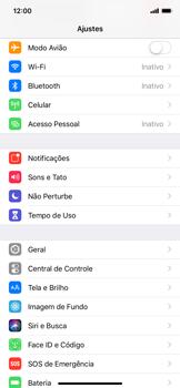 Apple iPhone XR - Rede móvel - Como definir um aviso e limite de uso de dados - Etapa 3