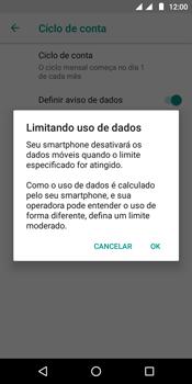 Motorola Moto E5 - Rede móvel - Como definir um aviso e limite de uso de dados - Etapa 12