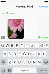 Apple iPhone 4 - Contact, Appels, SMS/MMS - Envoyer un MMS - Étape 13
