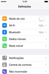 Apple iPhone 4S iOS 8 - Internet no telemóvel - Como ativar os dados móveis -  3