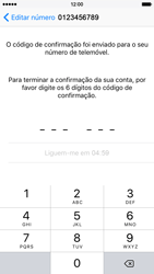 Apple iPhone 5s iOS 8 - Aplicações - Como configurar o WhatsApp -  10