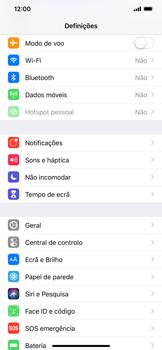 Apple iPhone XR - Internet no telemóvel - Como ativar os dados móveis -  3