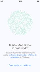 Apple iPhone 6s - iOS 11 - Aplicações - Como configurar o WhatsApp -  7