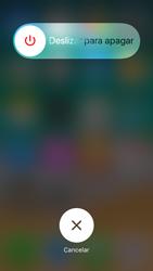 Apple iPhone SE iOS 11 - Mensajería - Configurar el equipo para mensajes multimedia - Paso 11