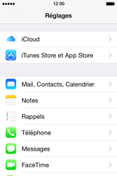 Apple iPhone 4s iOS 8 - E-mail - Configuration manuelle - Étape 3