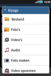 Samsung S5660 Galaxy Gio - E-mail - E-mails verzenden - Stap 9