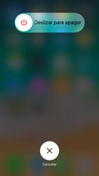 Apple iPhone 7 iOS 11 - Mensajería - Configurar el equipo para mensajes multimedia - Paso 11