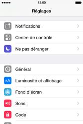 Apple iPhone 4S (iOS 8) - Aller plus loin - Restaurer les paramètres d'usines - Étape 3