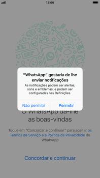 Apple iPhone 6s Plus - iOS 12 - Aplicações - Como configurar o WhatsApp -  6