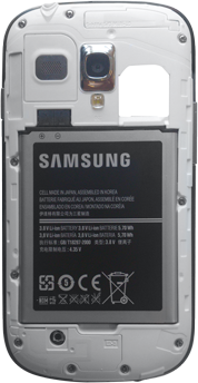 Samsung Galaxy S3 Mini - Primeros pasos - Quitar y colocar la batería - Paso 7