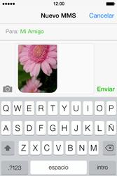 Apple iPhone 4S iOS 7 - Mensajería - Escribir y enviar un mensaje multimedia - Paso 13