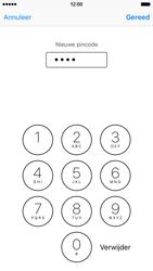 Apple iPhone 6 met iOS 9 (Model A1586) - Beveiliging en ouderlijk toezicht - Hoe wijzig ik mijn SIM PIN-code - Stap 9