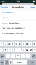 Apple iPhone SE iOS 10 - E-mail - Escribir y enviar un correo electrónico - Paso 8