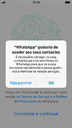Apple iPhone SE - iOS 12 - Aplicações - Como configurar o WhatsApp -  5