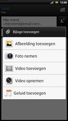 Sony LT22i Xperia P - E-mail - Hoe te versturen - Stap 10