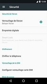 Motorola Moto E4 Plus - Sécuriser votre mobile - Personnaliser le code PIN de votre carte SIM - Étape 5